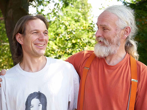 Benjamin-Kirschner&Dirk-Engelberts-German-Peace-Pole--Makers